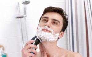 Philips Aquatouch AT890/16 electric shaver review in India